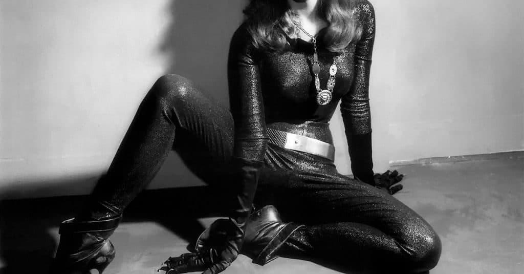 Джулия Ньюмар - женщина кошка