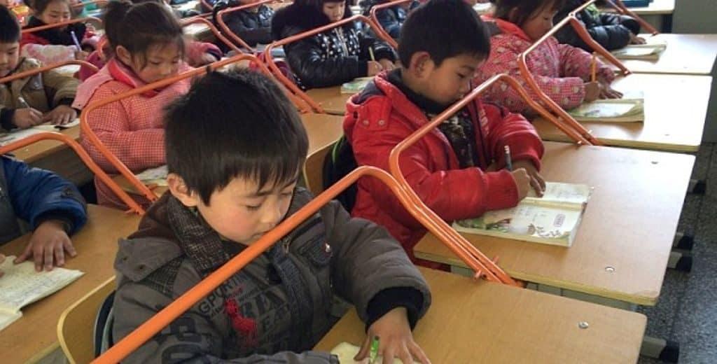 Парты в китайских школах