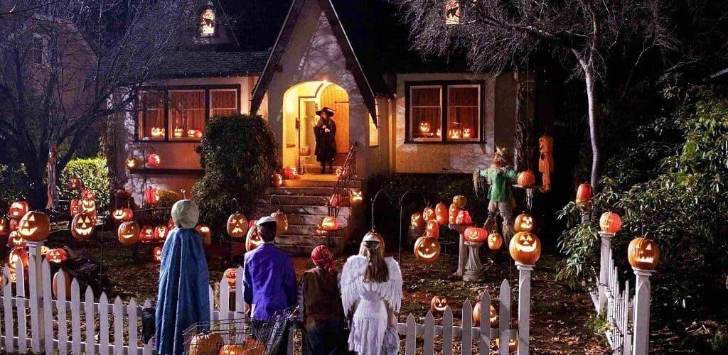 Костюмы и традиции праздника Хэллоуин