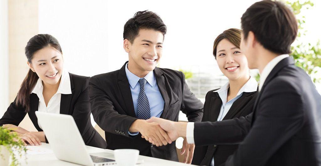 Дружный коллектив в японских компаниях