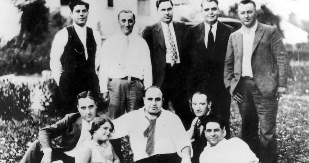 Аль Капоне: друзья, семья