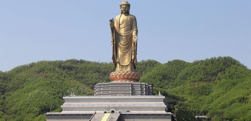 Будда Весеннего храма, Китай