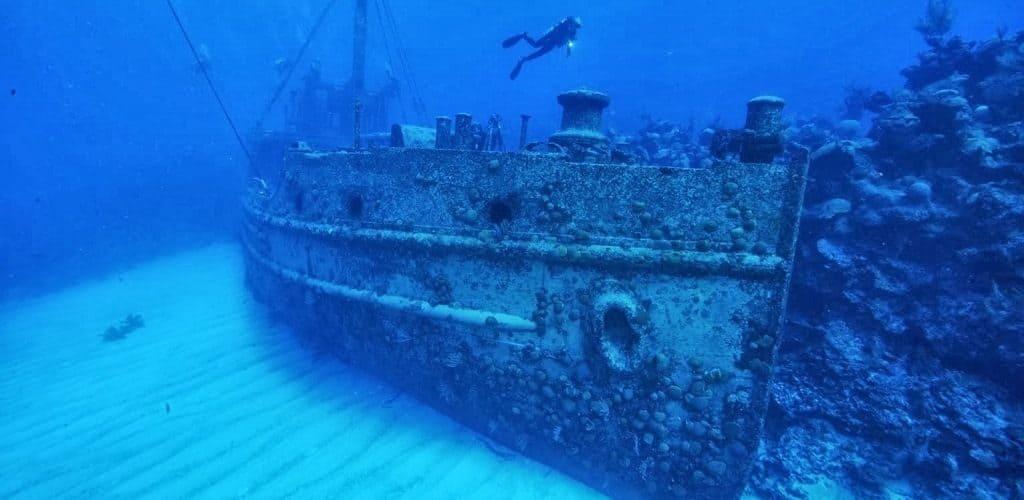 Корабли на дне в Бермудском треугольнике