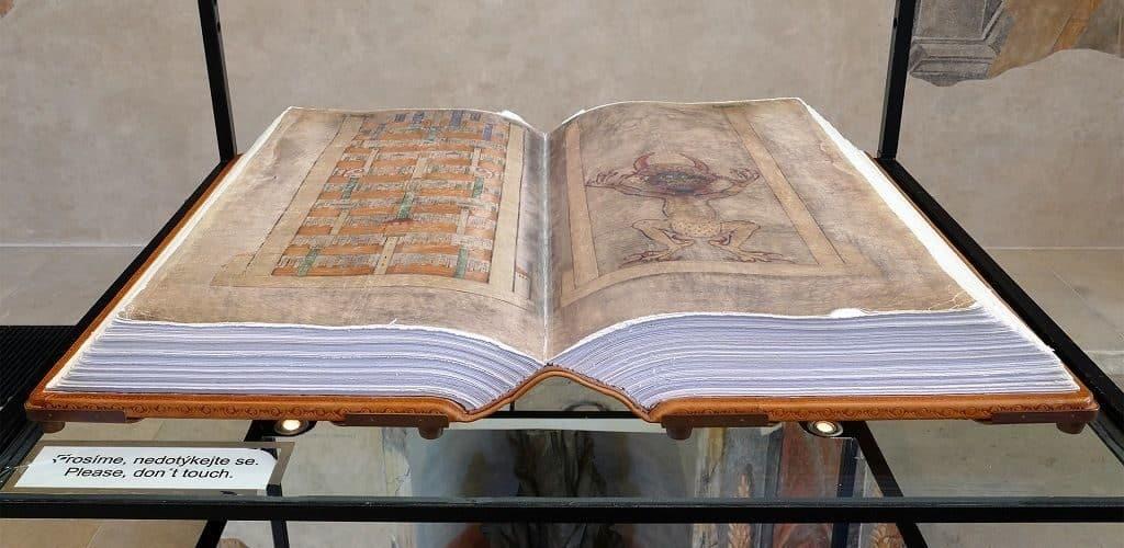 История появления Библии Дьявола