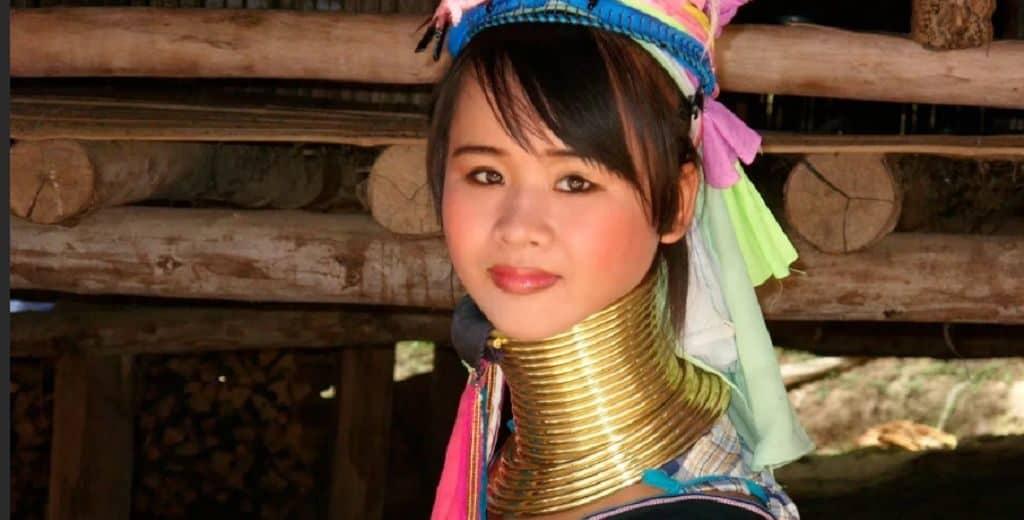 Красивая женщина в Мьянме