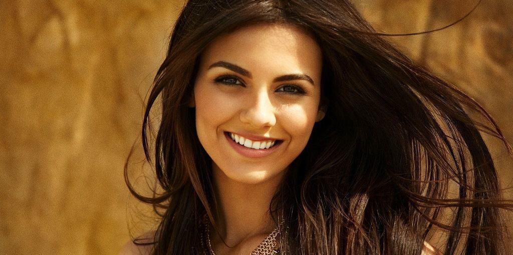 Красивая девушка-турчанка