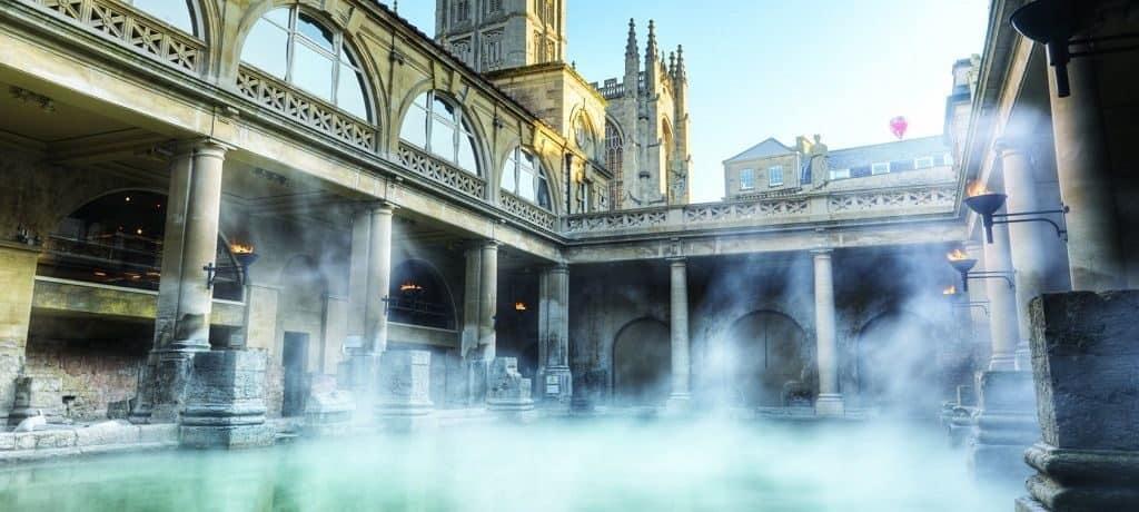 Римские бани в городе Бат