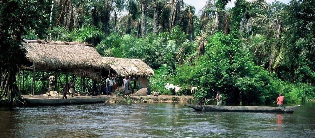 Деревня на реке Конго
