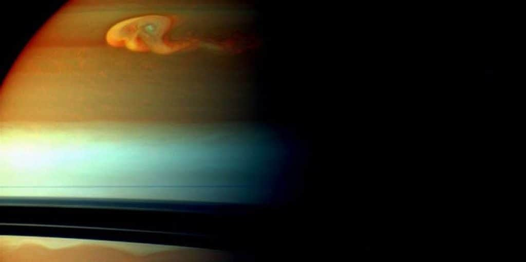 «Драконий шторм» на Сатурне