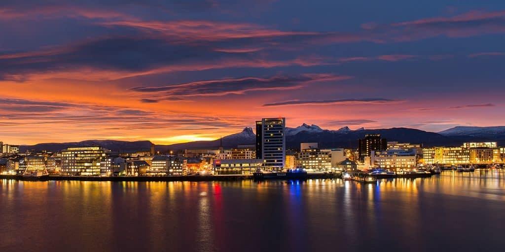Побережье Норвегии вечером