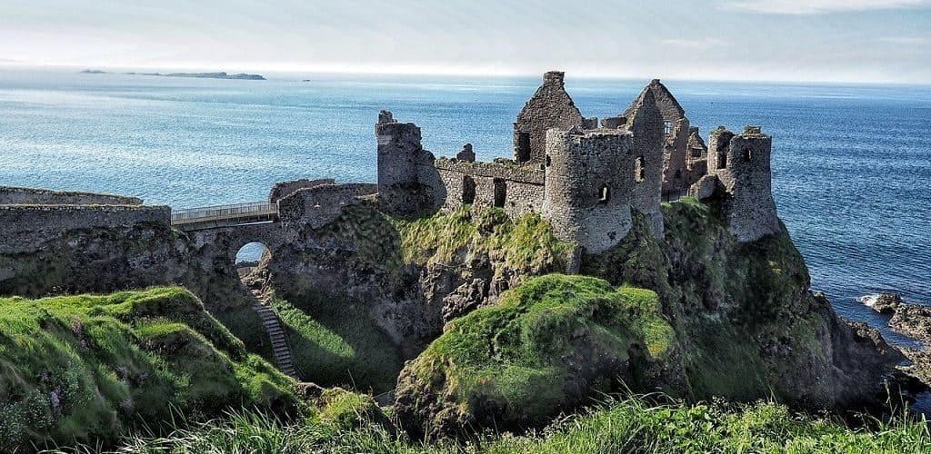 Ирландский замок Данлюс