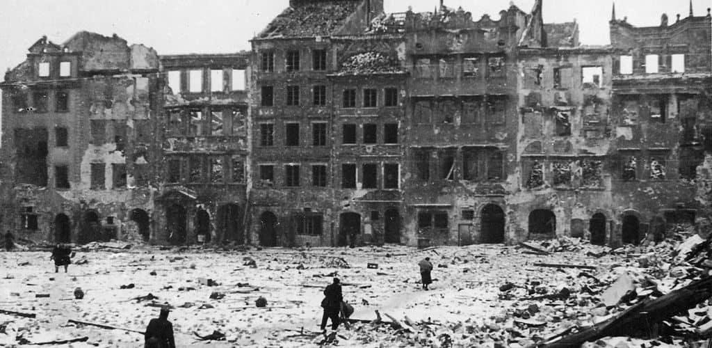 Разрушения в Варшаве во время Второй мировой войны