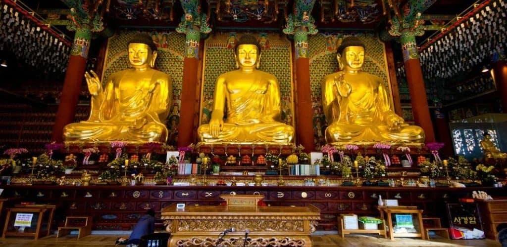 Зал Будды в храме Чогеса
