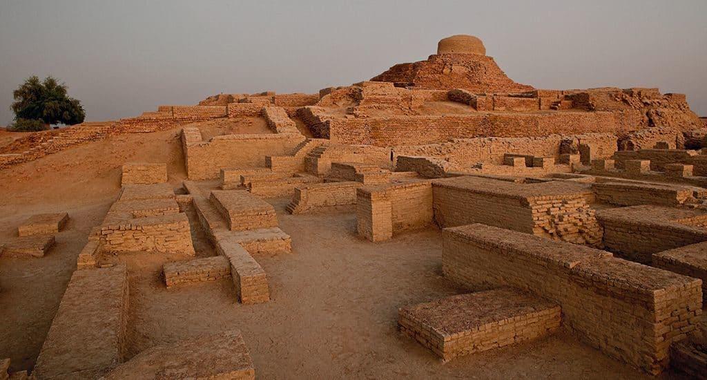 Древний город Махенджо-Даро