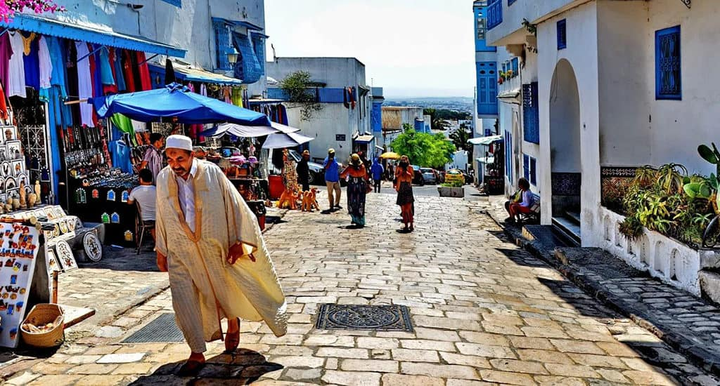 Тунис - население