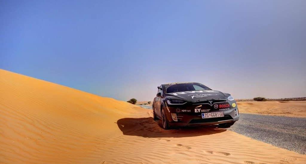 Электромобиль преодолел Сахару