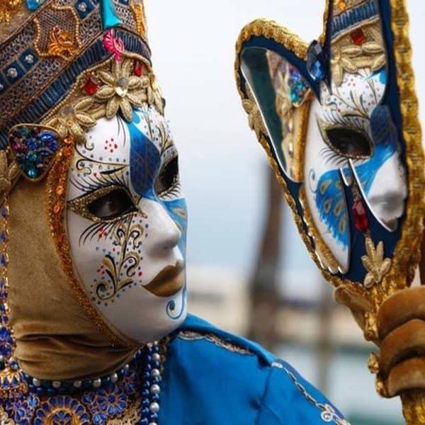Персонаж карнавала в Венеции