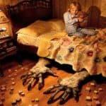 Дети могут бояться оставаться в одиночестве