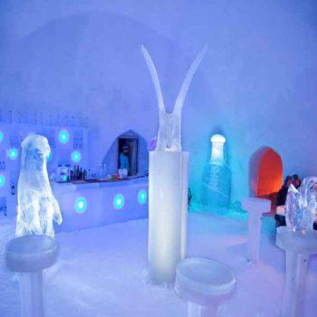 Ледяной бар в Лапландии