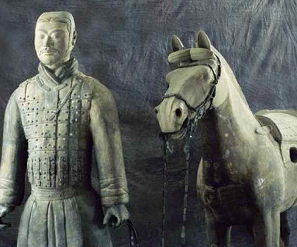 Воин с лошадью, терракотовая армия