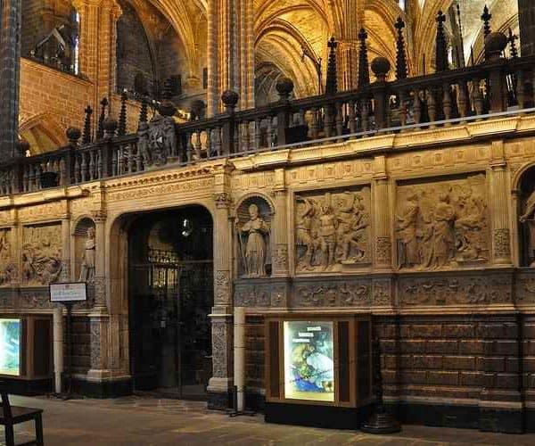 Кафедральный собор Барселоны внутри