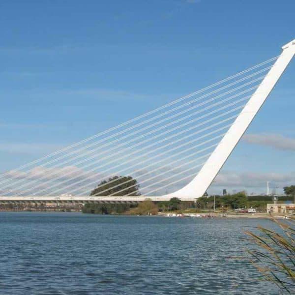 Подвесной мост в Севилье Аламильо
