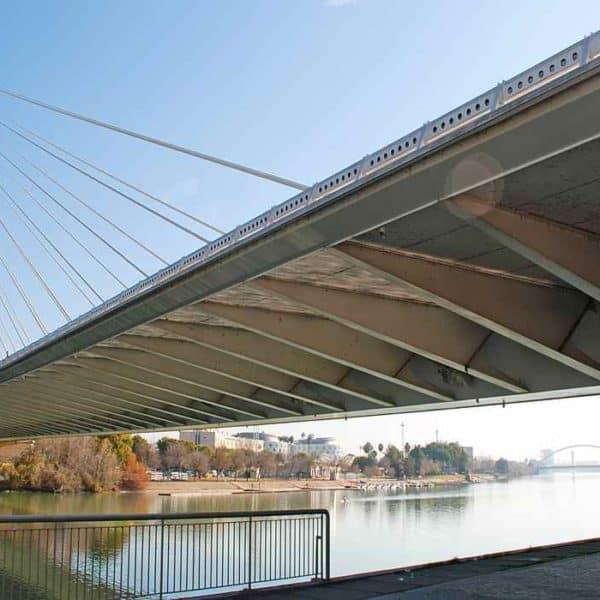 Подвесной мост в Севилье