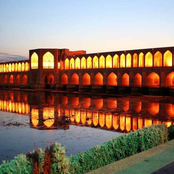 Мост Исфахан вечером