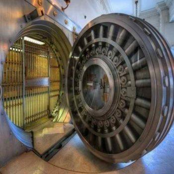 Дверь сейфа Форт Нокс