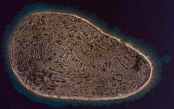 Интересный остров в форме отпечатка пальца