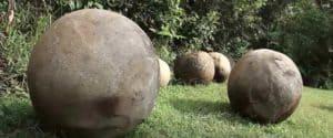 Каменные шары Лас Болас в Коста-Рике