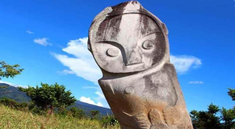 Статуя - мегалит острова Сулавеси