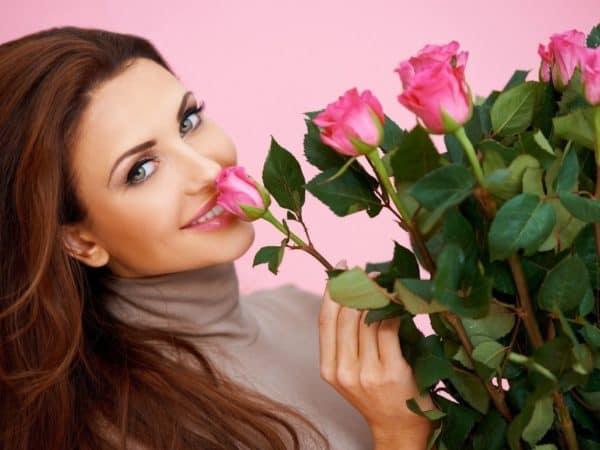Сколько нужно дарить цветов