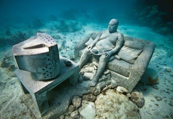 Подводная скульптура в Канкуне