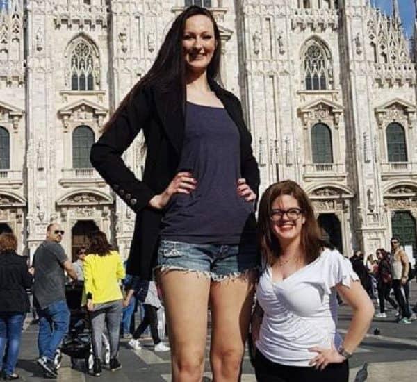 Девушки разного роста