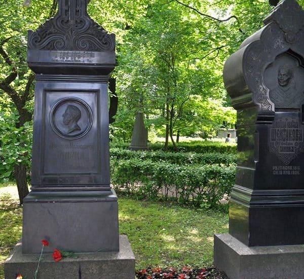Могила Михаила Глинки