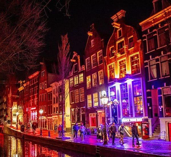 Квартал красных фонарей в Амстердаме