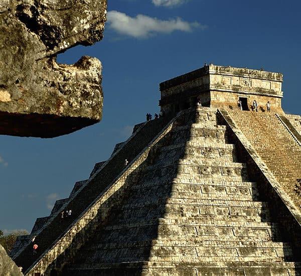 Древний город народов майя в Мексике